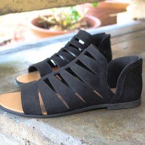 LAST PAIR!!//The Gigi// Black Gladiator Sandal